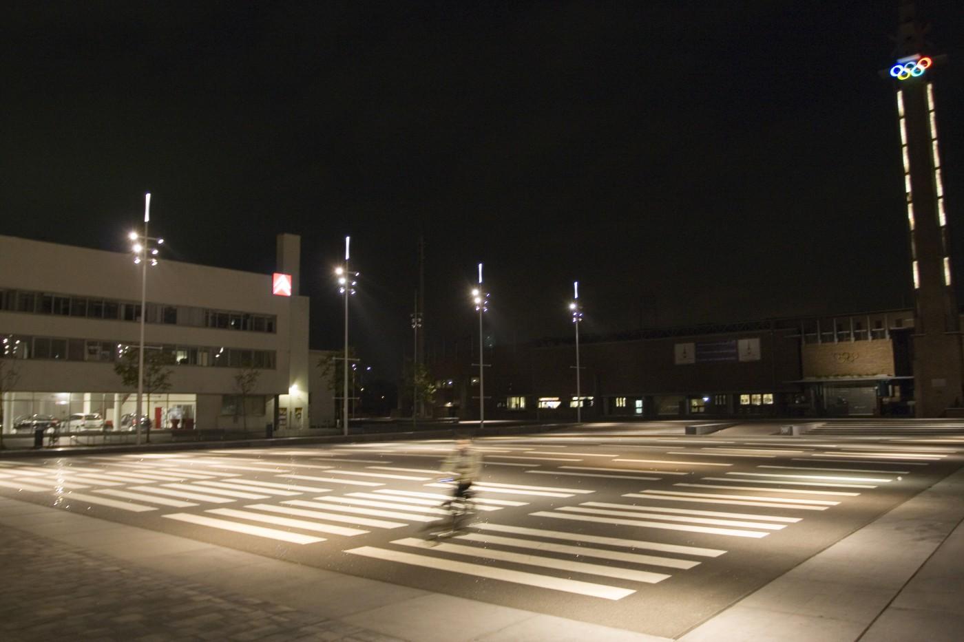 20 sep buro sant en co landschapsarchitectuur olympisch stadion plein amsterdam verlichting nachtbeeld