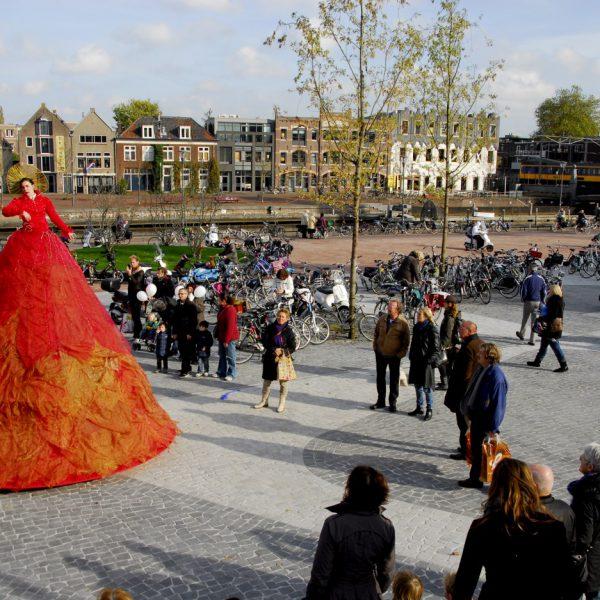buro-sant-en-co-landschapsarchitectuur-eemplein-amersfoort-centrumplein-plein-stadsplein-evenementen-groendak-parkeergarage-ontwerp-opening-2