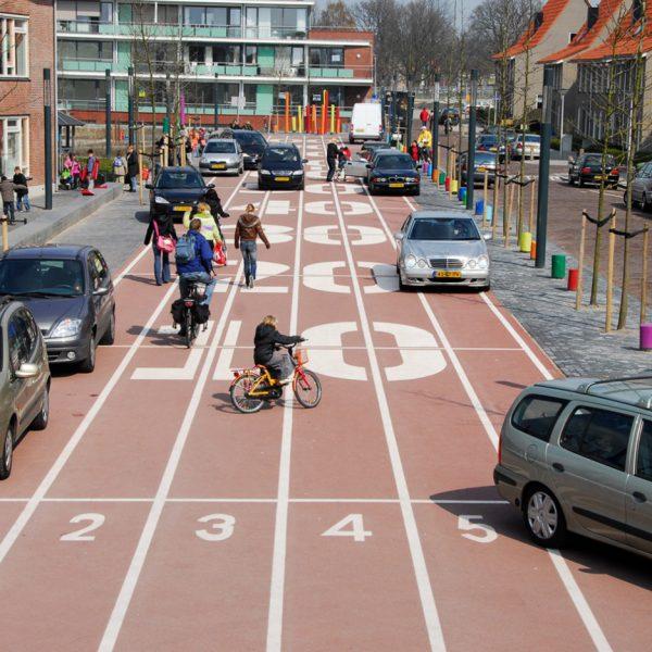 buro-sant-en-co-landschapsarchitectuur-roombeek-enschede-campus-voorzieningencluster-renbaan-1