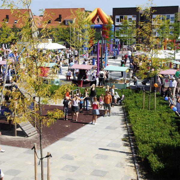 buro-sant-en-co-landschapsarchitectuur-roombeek-enschede-campus-voorzieningencluster-schoolplein-collectief-1