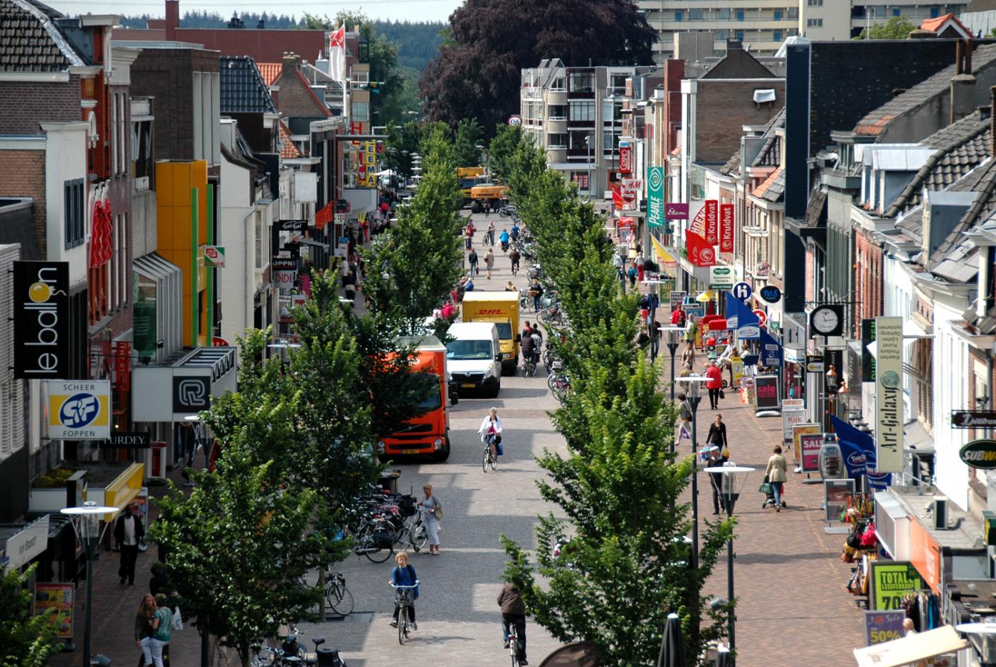 buro-sant-en-co-landschapsarchitectuur-veenendaal-winkelgebied-bovenaanzicht-hoofdstraat-vogelvlucht-inzoom