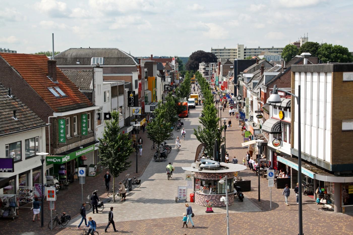 buro-sant-en-co-landschapsarchitectuur-veenendaal-winkelgebied-hoofdstraat-winkelstraat-herinrichting-1