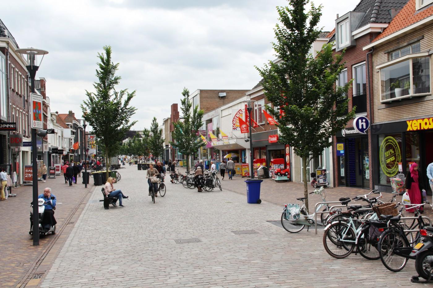 buro-sant-en-co-landschapsarchitectuur-veenendaal-winkelgebied-hoofdstraat-winkelstraat-herinrichting-2