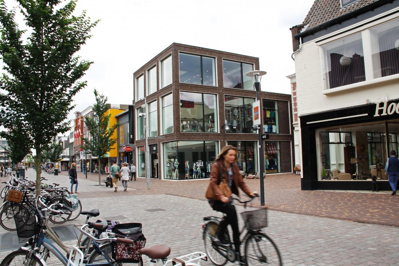 buro-sant-en-co-landschapsarchitectuur-veenendaal-winkelgebied-hoofdstraat-winkelstraat-herinrichting