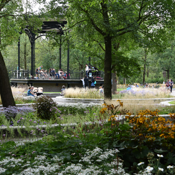 oosterpark-amsterdam-burosantenco-park-renovatie-landschapsarchitectuur-klimaatadaptief-biodiversiteit-stadspark-muziekkoepel