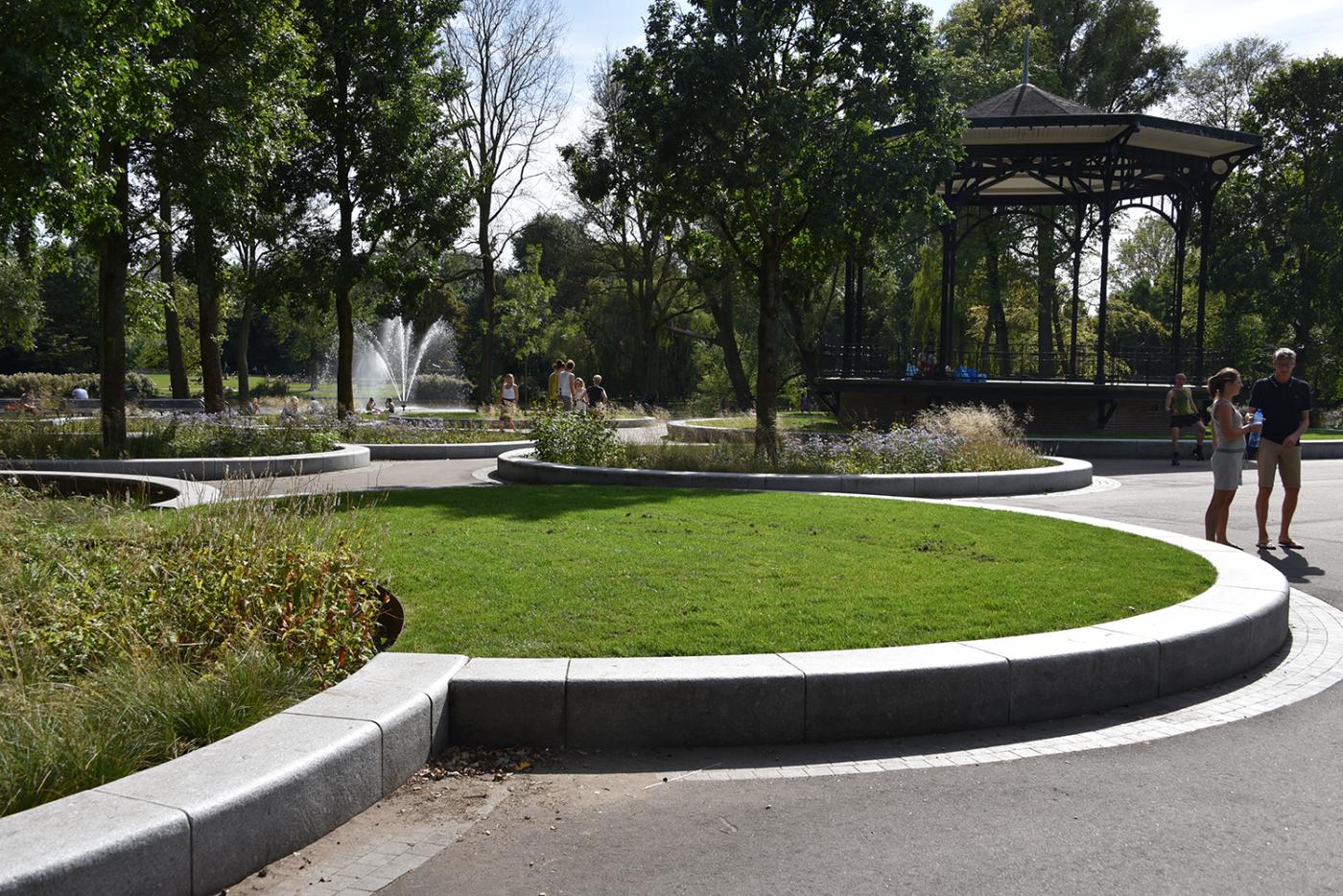 oosterpark-amsterdam-burosantenco-park-renovatie-landschapsarchitectuur-klimaatadaptief-biodiversiteit-stadspark-muziekkoepel-vasteplanten-gazon