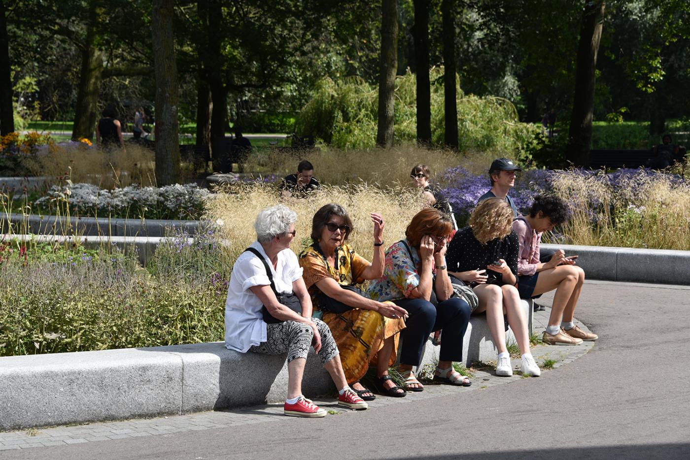 oosterpark-amsterdam-burosantenco-park-renovatie-landschapsarchitectuur-klimaatadaptief-biodiversiteit-stadspark-muziekkoepel-vasteplanten-zitrand