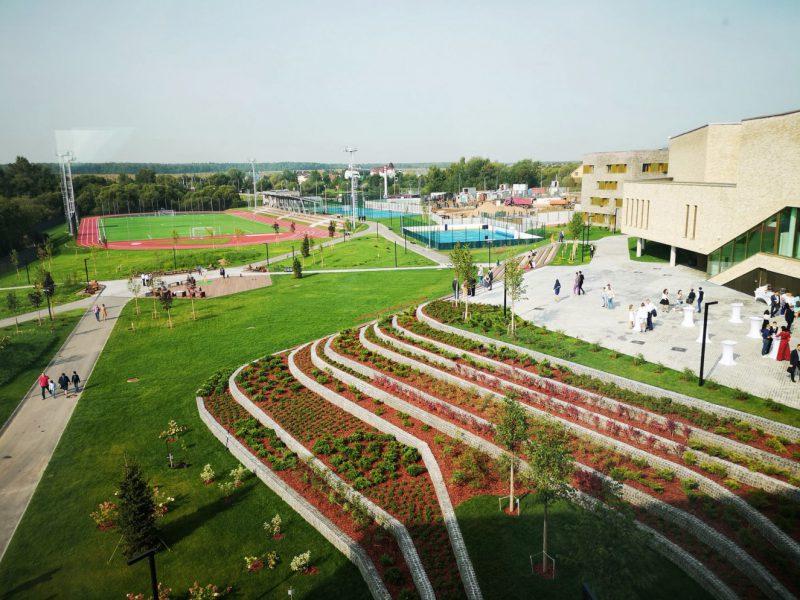 Buro-sant-en-co-landscapearchitecture-international-Letovo school outdoor space-bw